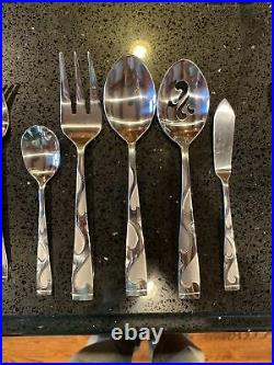 44 pcs Oneida Stainless Flatware TUSCANY Service for Almost 8 People Read