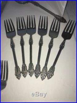 5 Place Setting Of Oneida Rembrandt Stainless Plus 2 Slotted Serving Spoons