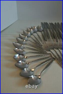 56 piece ONEIDA SPANADA WM Rogers premier stainless flatware with Serving Set