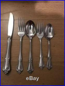 83 Pc Set 1881 Rogers Oneida Arbor Rose True Rose Stainless Flatware Service 16