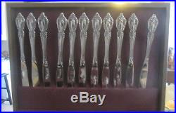 94 Pcs Oneida Distinction Deluxe HH Stainless Flatware Raphael in Wood Chest