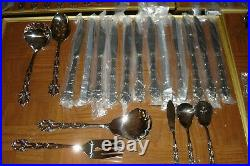 94 Pieces Oneida Community Chandelier Stainless 12 Place Settings + Serving