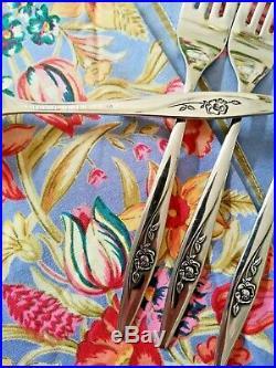 BEAUTIFUL Vtg Oneida Deluxe Stainless Flatware LASTING ROSE 57 Piece Set