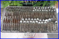 Chateau Oneida Oneidacraft Deluxe Stainless 74 Piece Set Knives Forks Spoons &