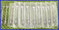 NEW 77 Pc Oneida Deluxe RAPHAEL Stainless Flatware Set Service For 11