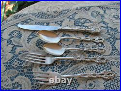 ONEIDA COMMUNITY STAINLESS FLATWARE CHANDELIER 44PC lots of serving