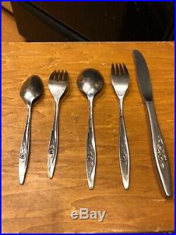 ONEIDACRAFT LOT 75 LASTING ROSE DELUXE STAINLESS FLATWARE Mixed Lot