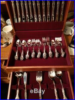 Oneida Affection stainless flatware service for 12 with decorative storage box