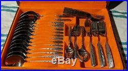 Oneida Capistrano 74 Piece cutlery set