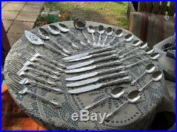 Oneida Community Stainless Flatware Louisiana 32 Pieces W Serving