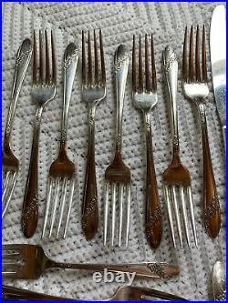 Oneida Community Stainless Queen Bess Tudor Plate Flatware Set Service For 8 EUC