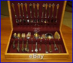 Oneida Community Stainless SATINQUE Service For 12 Flatware 14 Serving Pcs. Box