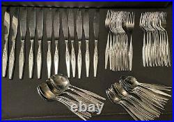 Oneida Community Stainless Windmere 88 pc Flatware set For 12