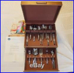 Oneida Community TWIN STAR 62 pc Set for 8 withBox Gold Medel 1959 Prize unused