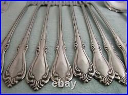 Oneida Deluxe Stainless Sutton Place Flatware Set Of 40 Pieces