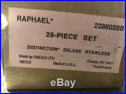Oneida Distinction Deluxe Raphael Stainless 28 Pieces Complete Set