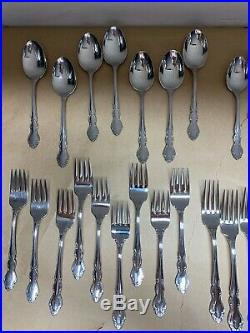 Oneida Dover Stainless Cube USA Flatware 52 pieces (includes serving pieces)