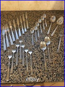Oneida EASTON Stainless Dinner/Salad Forks Soup/Teaspoons Dinner Knives
