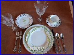 Oneida Heirloom Stainless Michelangelo 4 Of The 5 Piece Place Settings