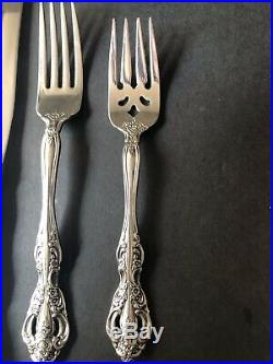 Oneida Michaelangelo Stainless Flatware 8-5pps, Missing One Tablespoon