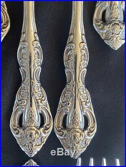 Oneida Michelangelo Heirloom 88 Pieces Flatware Set, Service 16 & 8 Serving