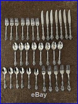 Oneida Michelangelo Pattern Stainless Flatware Lot 33 Pcs
