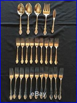 Oneida Piece 56 pc 18/10 Stainless Flatware Set, Service for 9 + extras, Dover