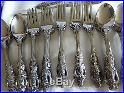 Oneida S. Steel flatware Renoir Pembrooke 16 place 88 pc's