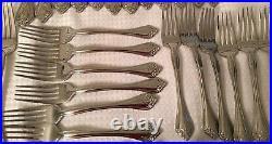 Oneida Stainless Flatware + Hostess Set Boutonnaire Floral 64 pcs 1 tsp missing