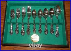 Oneida USA Stainless Michelangelo Flatware Wood Chest 12 Place Settings