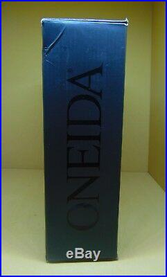Oneida Voss H003045A 45 Piece Set Service For 8 NEW