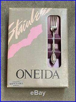 Oneida Wordsworth OCQ 18/8 USA Stainless Flatware 53 pieces NEW