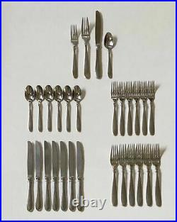 Sant' Andrea'Corelli' Oneida Stainless Steel 18/10 Flatware 24 Pc Service for 6